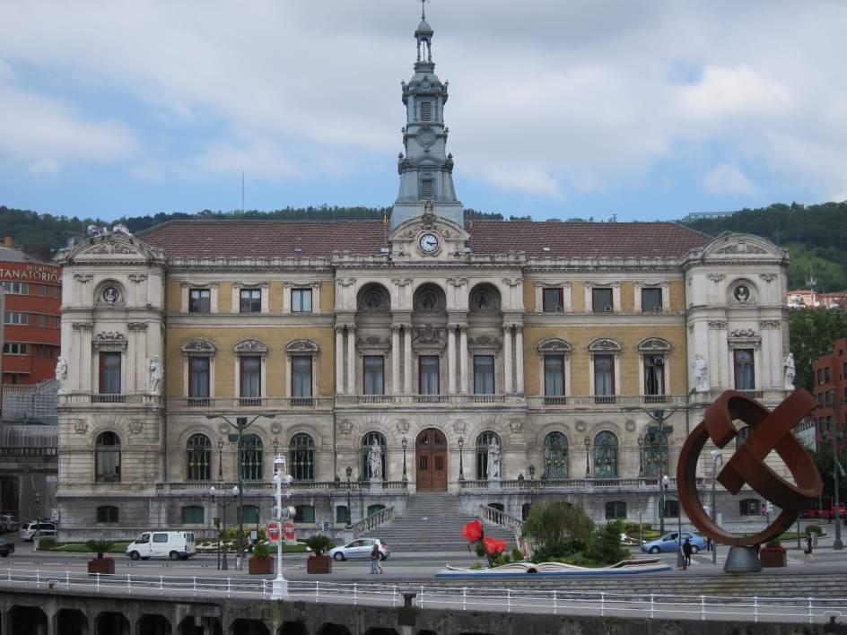 Ayuntamiento de bilbao aprueba la ope 2016 con 50 plazas for Plazas de docentes 2016