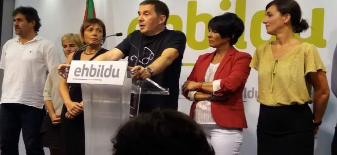 Arnaldo Otegi y resto de candidatas