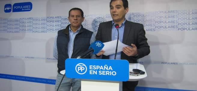 José Antonio Nieto interviene en una rueda de prensa junto a Rafael Merino