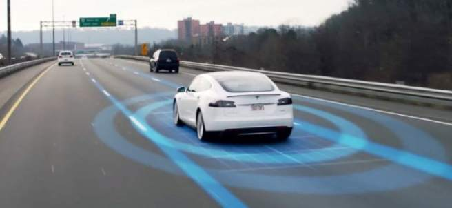Tesla mejorará su radar para evitar accidentes en el modo autónomo