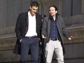 """Sánchez e Iglesias hablan por teléfono y coinciden en que """"la situación del PP es insostenible"""""""