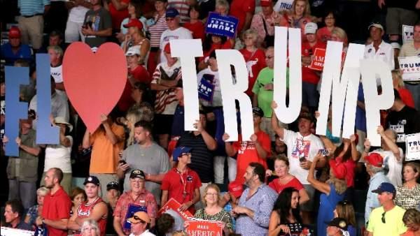 Seguidores de Donald Trump, en Florida.
