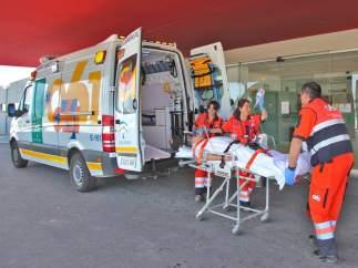 Imagen de una ambulancia del 061, junta de Andalucía.