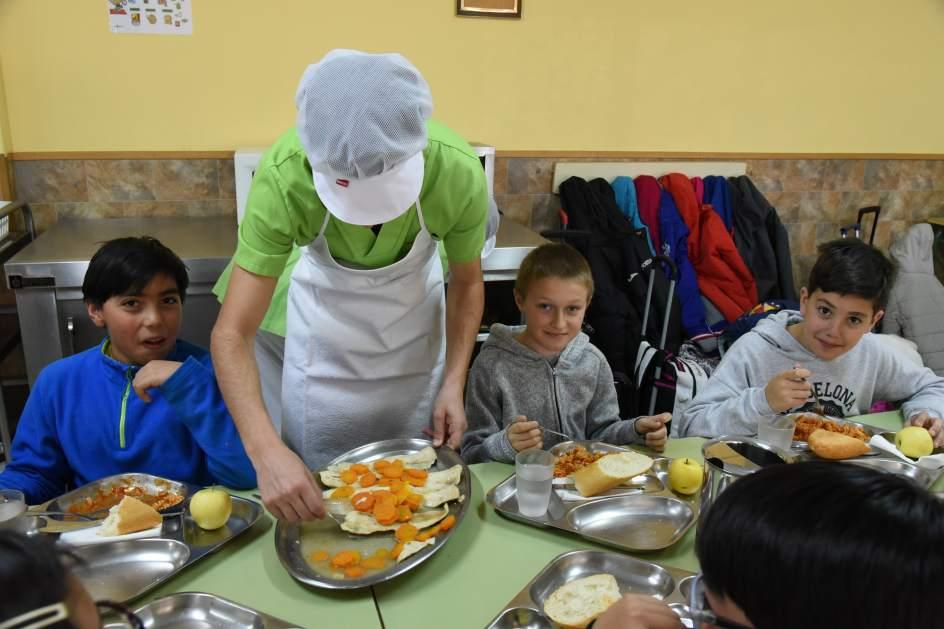 Trabajo En Comedor Escolar - Hogar Y Ideas De Diseño - Feirt.com
