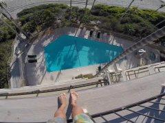 Un joven de 24 años en estado crítico tras un nuevo caso de balconing en Ibiza