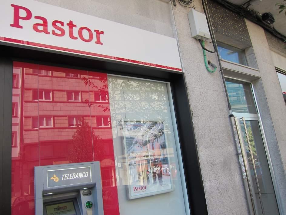 El popular plantea 450 bajas en galicia el 15 del total for Oficinas banco pastor vigo