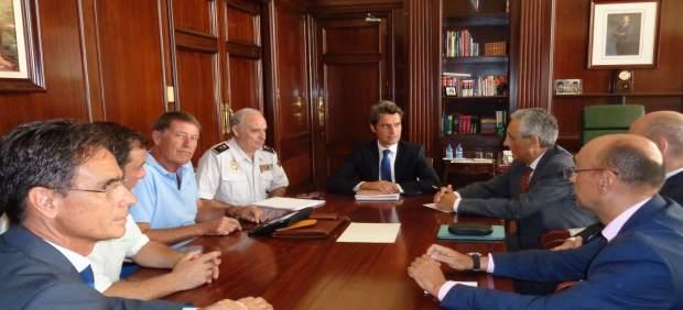 Reunión del delegado del Gobierno en Canarias con los hoteleros