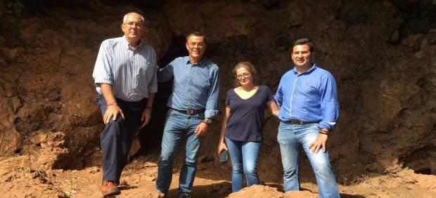 Caraballo en las cuevas de Alájar