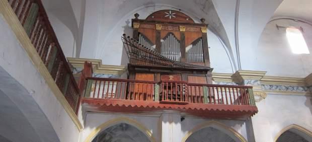 Órgano En Una Iglesia Aragonesa
