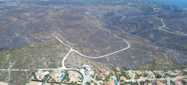 Imagen aérea de la zona arrasada en los términos de Jávea y Benitatxell