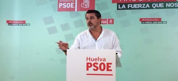 Jesús Ferrera en la sala de prensa del PSOE