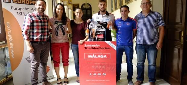 El Ayuntamiento De Málaga Informa: EL VII TRIATLÓN DE MÁLAGA SE CELEBRARÁ EN DIS