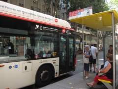 Muere un anciano atropellado por un bus urbano en Barcelona