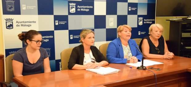 La portavoz del PSOE en el Ayuntamiento en rueda de prensa
