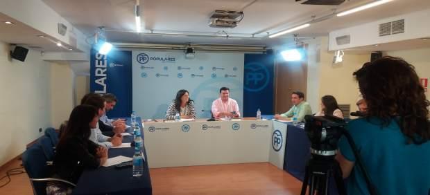 La secretaria general del PP-A en una reunión en Almería