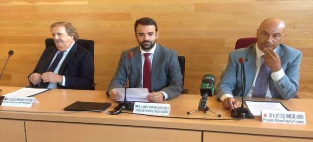 El consejero de Justicia del Gobierno de Canarias, Aarón Afonso