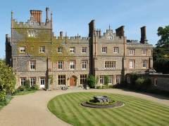 Reino Unido podría poner un 'impuesto a las mansiones'