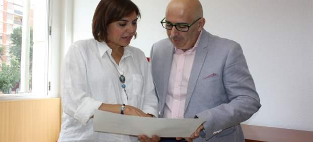 La consejera  recibe al representante de la Asociación Española de Leucemia