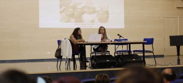 Silvia Cabrera durante su inetrvención en 'La Juventud en Positivo'