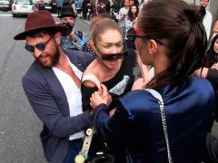 La modelo Gigi Hadid se defiende de un agresor a codazo limpio