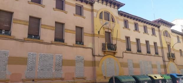 El edificio del antiguo geriátrico se encuentra cerrado