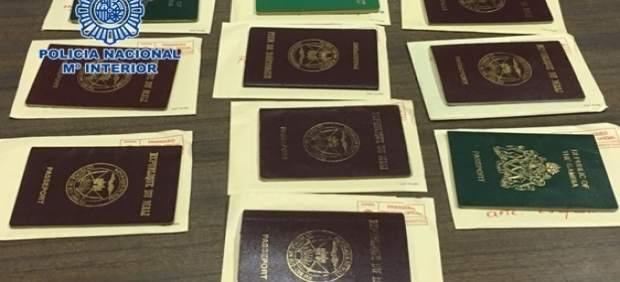 Documentación incautada a acusados de documentos falsos