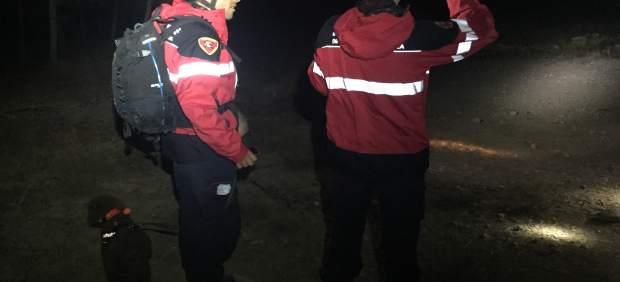 Bomberos de la DPZ realizan prácticas de búsqueda de personas desaparecidas