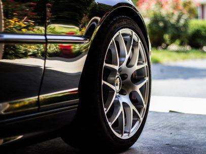 ¿Qué ocurre si no reviso la presión de los neumáticos?