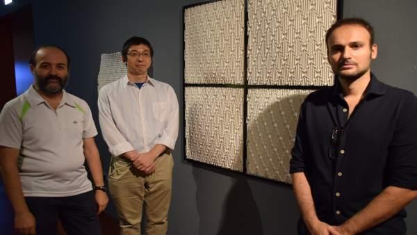 El director de la Emoz, Jorge Pardo y los artistas Naomiki  Sato y Andrea Russo.