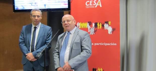 Raymond Torres y José Manuel Lasierra en la presentación del informe de CESA.