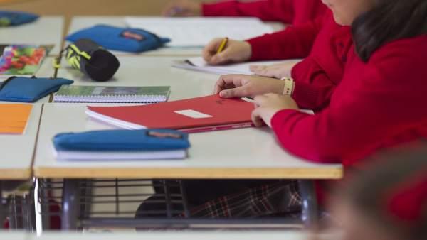 Destinen 65 milions i 1.627 docents a fer front al fracàs escolar