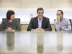 Sánchez anuncia a la Comisión Permanente que quiere primarias en octubre