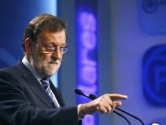 """Rajoy ve """"muy razonable"""" la decisión del PSOE"""