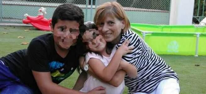 Maruja Cuenca, con su nieta Maricarmen y el hermano de ésta.