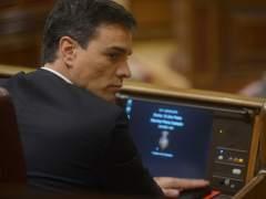 Pedro Sánchez resiste a la dimisión de los 17 críticos de su Ejecutiva que intentaban echarle
