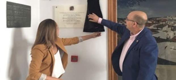 Jerez de los caballeros inaugura su nueva oficina for Oficina turismo jerez