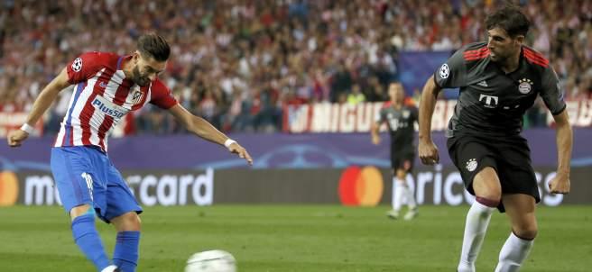 Carrasco y Javi Martínez, Atlético - Bayern