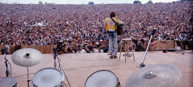 Henry Diltz, John Sebastian performing at Woodstock, 1969