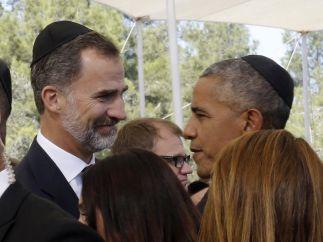 Obama conversa con Felipe VI