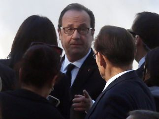 Hollande, otro invitado al funeral