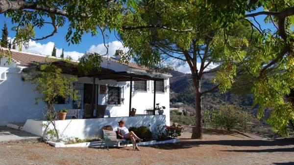 Casa rural turismo interior viajeros turistas pernoctaciones estancias campo