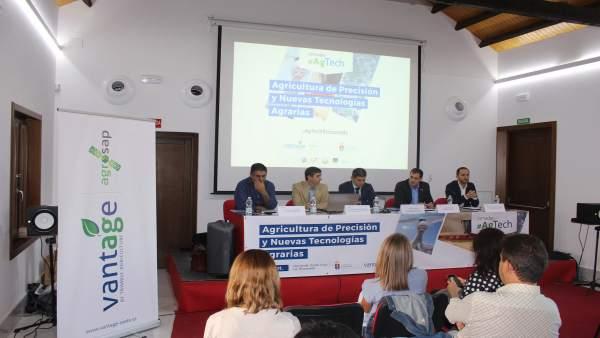 Inauguración de jornada en La Rinconada sobre la agricultura de precisión