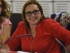 Susana Díaz, la rival de Sánchez, lidia con dos 'caballos de Troya' en la federación andaluza