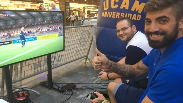 La Avenida de la Libertad de Murcia ha sido el escenario del evento de FIFA 17