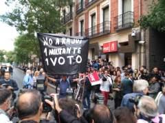 Comité Federal del PSOE | Directo: llegan los protagonistas a la calle Ferraz