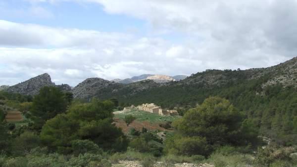 La imagen muestra la aldea de Malvariche, en el parque regional de Sierra Espuña