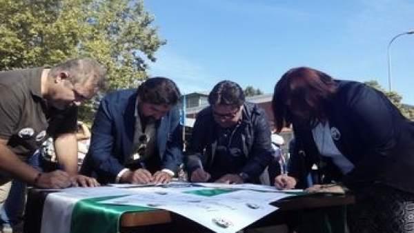 Recogida de firmas en favor del tren