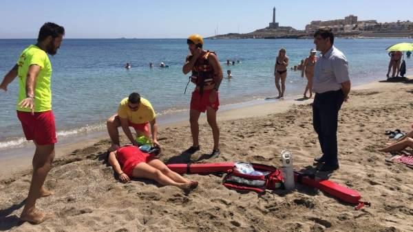Imagen de un simulacro de rescate de un ahogado