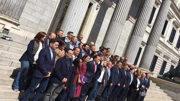 Les Corts Valencianes acorden que Bonig, Mata i Ferri defensen este dimarts al Congrés la reforma de l'Estatut