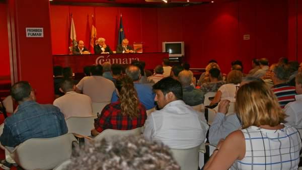 Reunión sobre las alegaciones a la ordenanza de terrazas